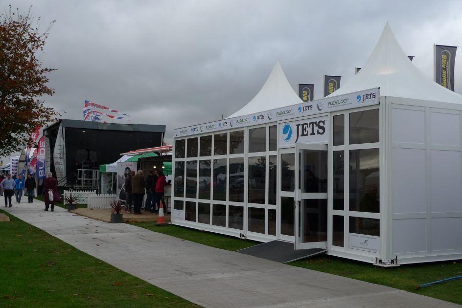 Flexiloo event structure at Showmans