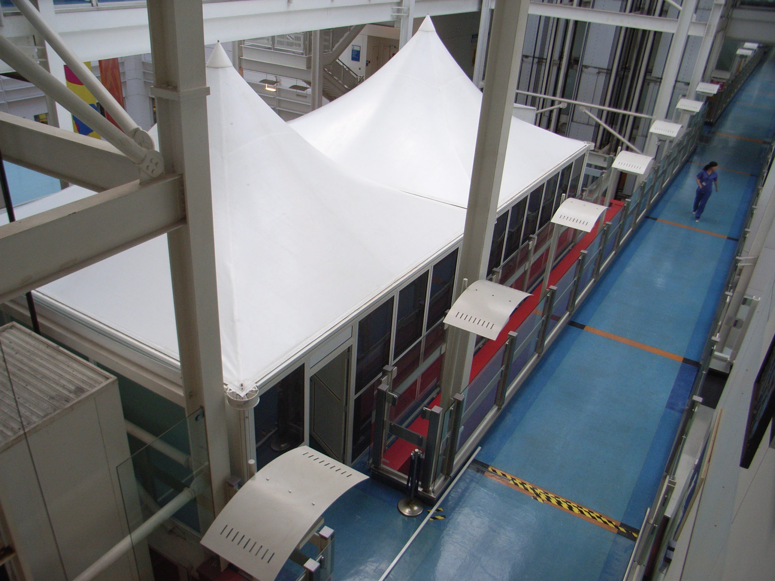 RIMG0042 scaled - London Hospital uses Showplace Structures for Space